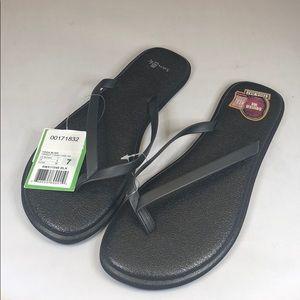 (p240) Sanuk Women's Flip Flops in Black, Size 9